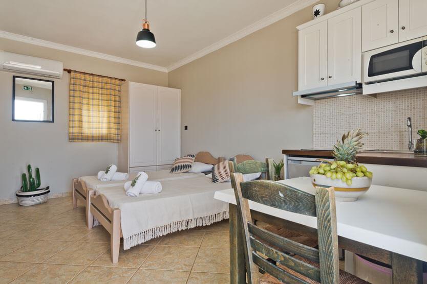 Kalimera Karpathos - Studio - Kitchen - Beds